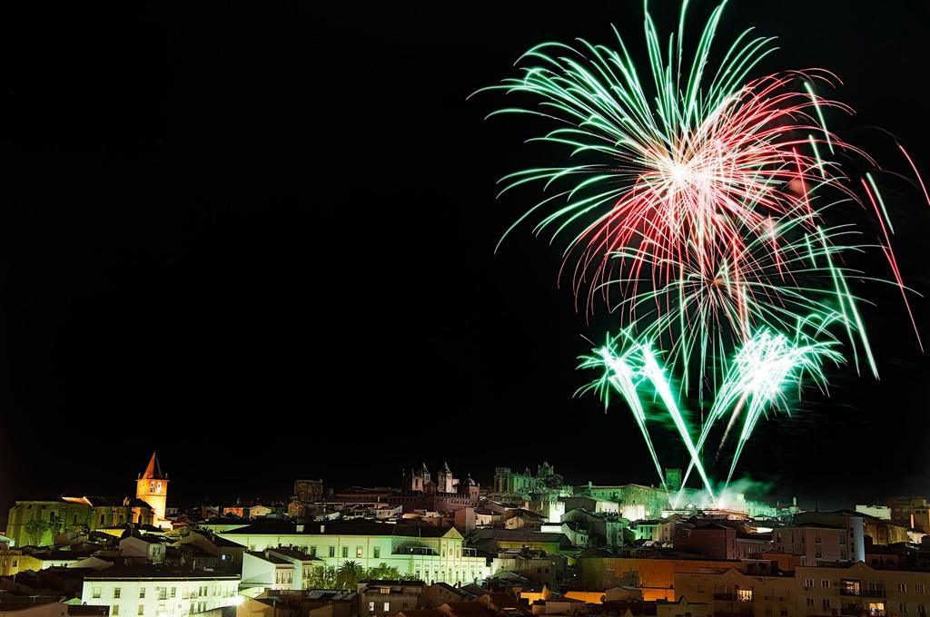 Fuegos artificiales en Cáceres